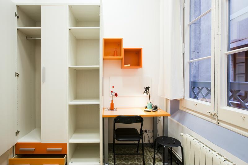 Room (12)-800x600