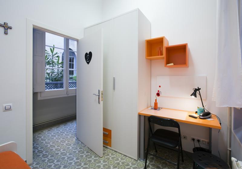 Room (13)-800x600