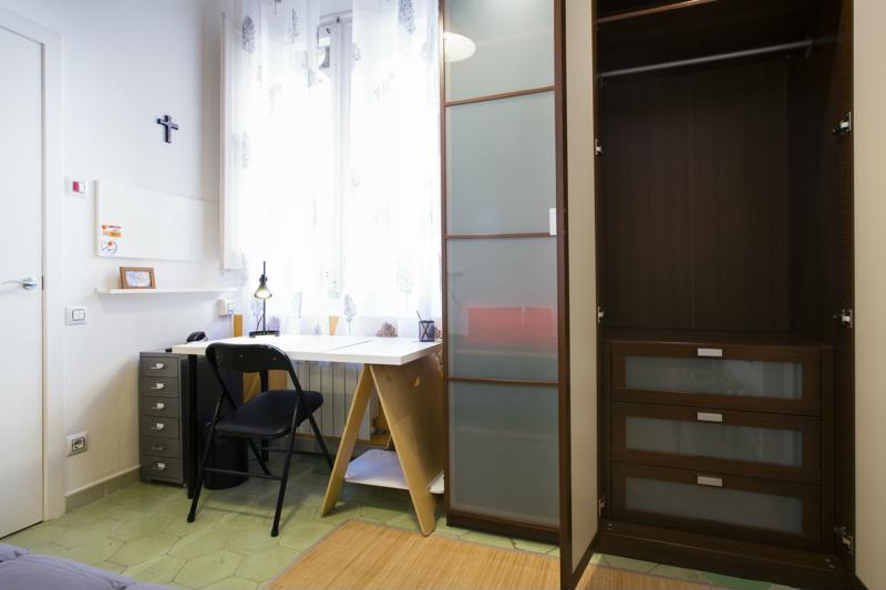 Room (3)-800x600