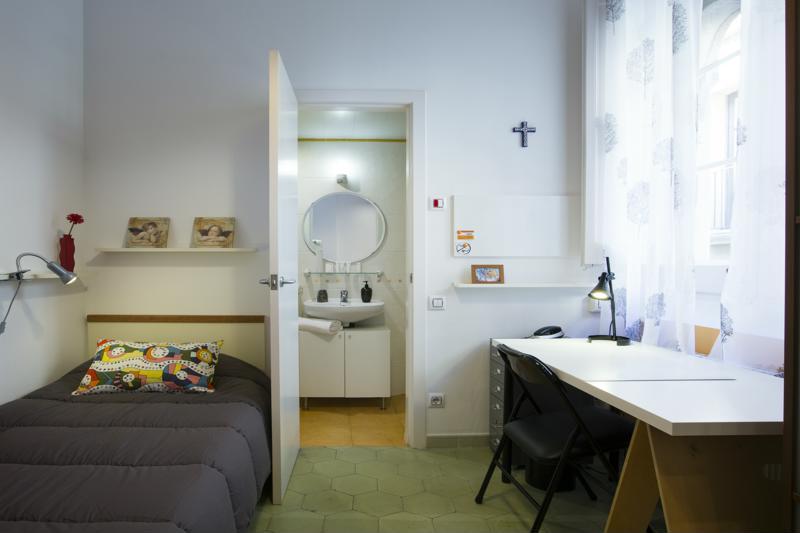 Room (4)-800x600