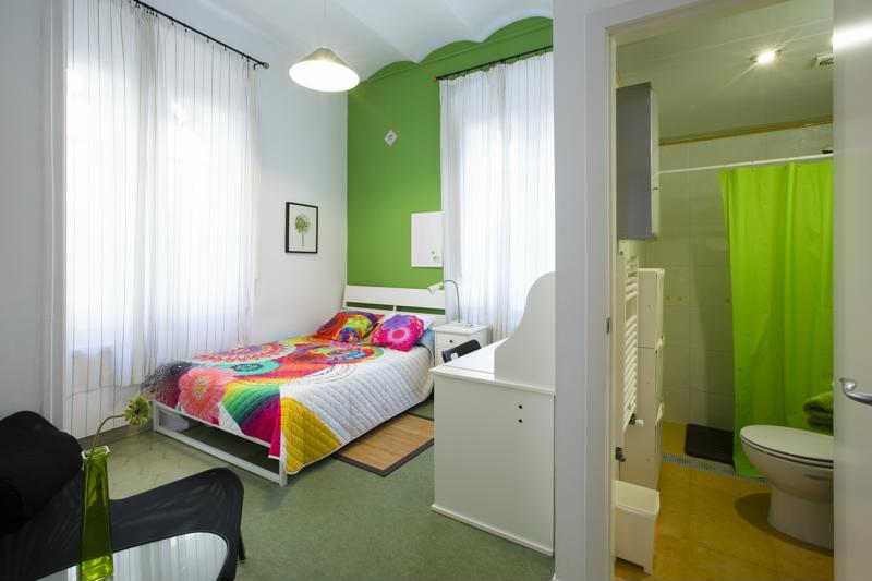 Room (7)-800x600