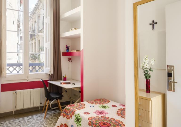 Room (22)